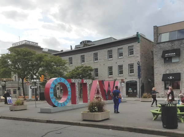 Ottawa's Ottawa sign